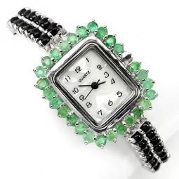 Привлекательные Серебряные Часы с Сапфиром Кабошон и Изумрудом