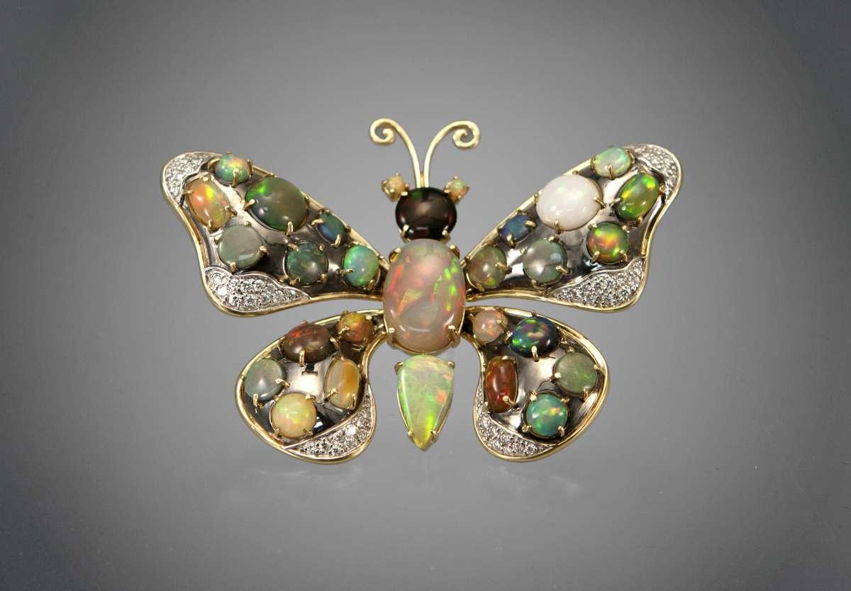 Бабочка-брошь с опалами