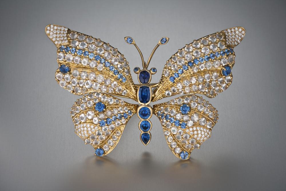 Бабочка-брошь с сапфиром