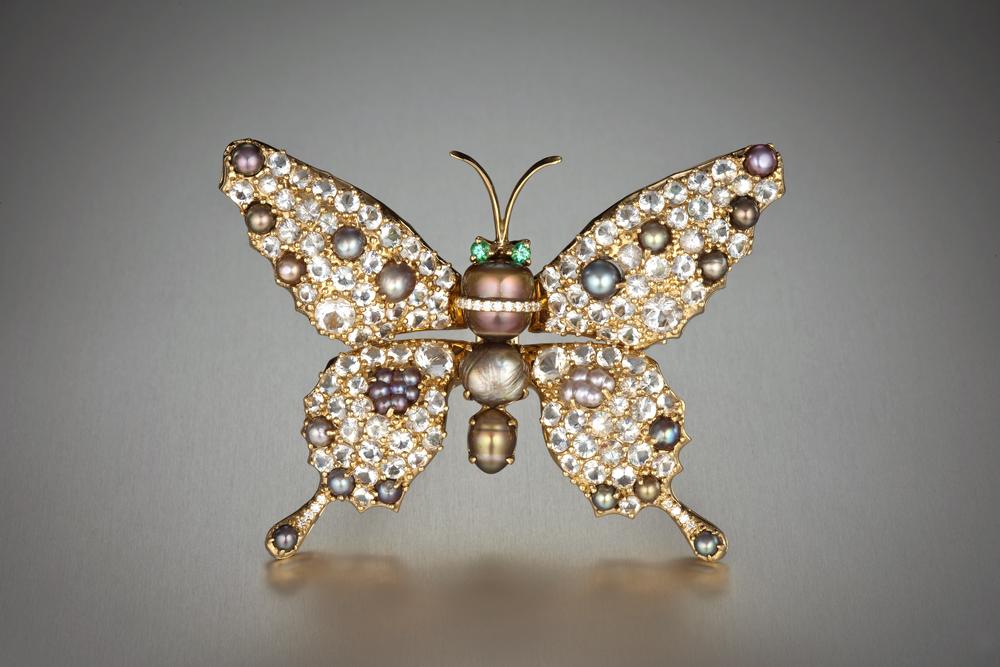 Бабочка-брошь с жемчугом